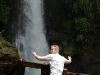 Een wow-moment voor de eeuwigheid (?) vast gelegd. Voor vele mensen tellen   wow-momenten pas als ze ermee op de foto staan, als tastbaar bewijs van hun aanwezigheid op die bepaalde plek – Foto 3/Costa Rica